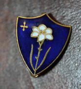 """Belle Broche Ancienne Métal Doré émaillé Années 50/60 """"Lys De Saint Joseph"""" Religious Brooch - Broches"""