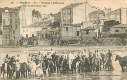 PERPIGNAN LE 11e HUSSARDS A L'ABREUVOIR SUR LES RIVES DE LA TET - Perpignan