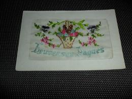 Carte Brodée ( 95 )  Geborduurde Kaart  Heureuses Pâques  Pasen - Brodées