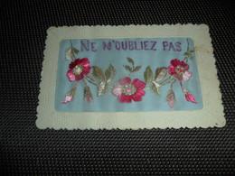 Carte Brodée ( 102 )  Geborduurde Kaart - Brodées