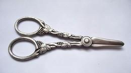 Ciseaux Pince à Raisins En Métal Argenté Suède Grape Scissors Silver Plated Sweden - Argenterie