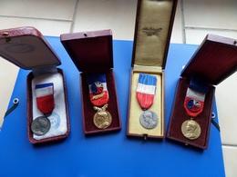 Medaille Du Travail Argent , Medaille , Medaille Travail Attibués - France