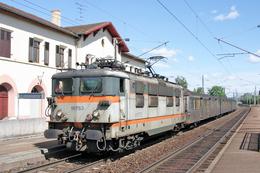 Lutterbach (68) 12 Juin 2004 - La BB 16753 En Tête Du TER  831386 Mulhouse/Colmar - Rame RIB 01 - France