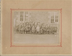 ECOLE LIBRE - Classe Jeunes Garçons Qui Posent Avec Leurs Maîtres (Prêtres) - Photo Format 27x21 - Non Localisée - Anonymous Persons