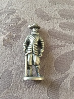KINDER METAL / DEGENFECHTER N°4 - Metal Figurines