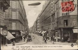 Cp Paris XVII., Rue Des Moines à La Rue Truffaut, Zeppelin - France