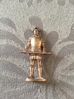 KINDER METAL / SOLDAT 1300-1700 N°4 - Metal Figurines