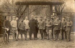 CPA 2523 - MILITARIA - Carte Photo Militaire - Section Boulangerie De Campagne N°67 à NANGIS ( Seine & Marne ) - Personnages