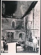 VURSTE  FOTO 1973  18 X 13 CM  - NACHTELIJKE KERKBRAND - Gavere