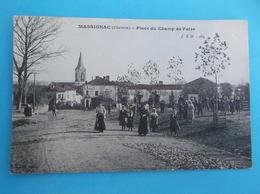 16 : MASSIGNAC : PLACE Du CHAMP De FOIRE ,C.P.A. ,carte En Bon état , Carte Colorisée - France