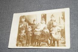 Jumet,ancienne Carte Photo Originale Souvenir Des Défenseurs De La Rue Des Aiselies,groupe D'enfants Soldats - Lieux