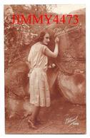 CPA -  TENDREMENT - Une Jolie Jeune Fille Amoureuse En 1926 - Edit. Bleuet N° 888 - Scans Recto-Verso - Femmes