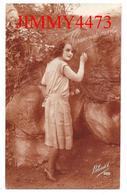 CPA -  PASSIONNEMENT - Une Jolie Jeune Fille Amoureuse En 1926 - Edit. Bleuet N° 888 - Scans Recto-Verso - Femmes