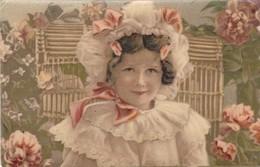 SUPERBE PETITE FILLE,,,,,,CARTE GLACEE ,,,VOYAGE 1910,,,, - Enfants
