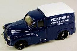 Morris Minor Van Pickfords. - PKW & Vierräder