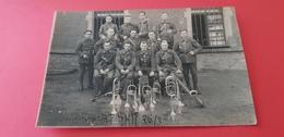 Ancienne Carte Photo D'un Groupe Militaire Fanfare Du 16è Chasseurs Guerre 14-15 - Reggimenti
