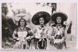 Original Photographic Postcard - Postal Mexico - Traditional Costumes - Chinas - Yañez 752 - México