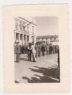 26908 Photo Bône Annaba Algérie  11 Nov 1955 General Decoration - Guerre, Militaire