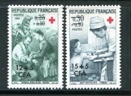 Y&T N°370 Et 371 Neufs Sans Charnière ** - Réunion (1852-1975)