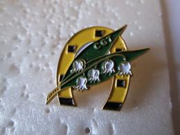 PIN'S   CGT - Pins
