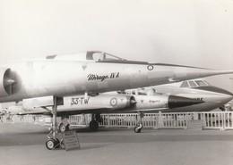 Rare Photo Véritable Salon Du Bourget Années 60 Mirage IV A  Taille 12.7 X 9 Cm - Aviation