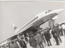 Rare Photo Véritable Salon Du Bourget Années 60 Concorde Taille 12.7 X 9 Cm - Aviation