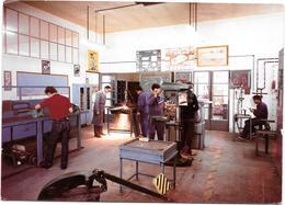 VALLAURIS (06) CENTRE HELIO MARIN -  Un Atelier    - Photo Originale Unique 1967 COMBIER à MACON - Places