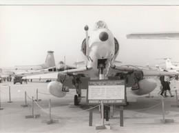 Rare Photo Véritable Salon Du Bourget Années 60 A-4C   Taille 12.7 X 9 Cm - Aviation