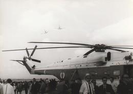 Rare Photo Véritable Salon Du Bourget Années 60 Hélicoptère Aéronavale   Taille 12.7 X 9 Cm - Aviation