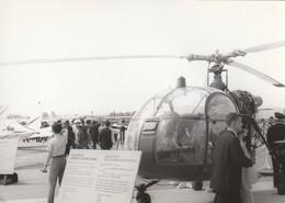 Rare Photo Véritable Salon Du Bourget Années 60 Hélicoptère Alouette II   Taille 12.7 X 9 Cm - Aviation