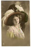 42 - Mode- Jeune Dame - Chapeau Original - Mode