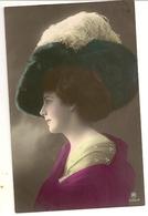 47 - Mode- Jeune Dame - Chapeau Original - Mode