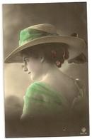 48 - Mode- Jeune Dame - Chapeau Original - Mode
