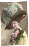 49 - Mode- Jeune Dame - Chapeau Original - Mode
