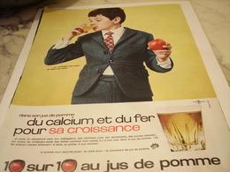 ANCIENNE PUBLICITE JUS DE POMME 1965 - Affiches