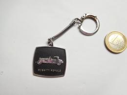 Beau Porte Clés , Auto Bugatti Royale , Alsacien Banania - Porte-clefs