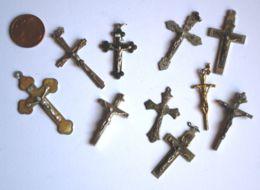 CR 08 - LOTTO DI 10 CROCIFISSI PER CORONE ROSARIO - Religione & Esoterismo