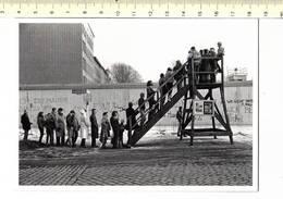 49853 - BERLIN DIE MAUER AN DER BERNAUER STRASSE - Berlijnse Muur