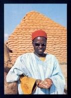Pyramid Of Groundnut Sacks, Kano, Nigeria / Postcard Not Circulated - Nigeria