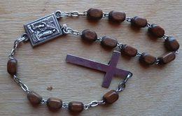 Médal-220 Dizainier Grains Bois Sur Chaîne Ag,avec Croix Et Médaille A Voir - Religion & Esotericism