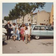 3 CV Break - Citroen : En Avant La Famille : 1971 : - Photo Polaroid - ( Format : 9cm X 9cm ) - Auto's