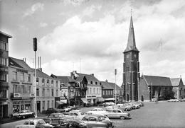 Belgique - MOUSCRON - Grand' Place - Eglise - Automobiles - Epicerie Jean Delberghe - Meubles Mobiac - Mouscron - Moeskroen