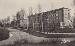 Le Mesnil-Saint-Denis : Le Préventorium - Le Mesnil Saint Denis