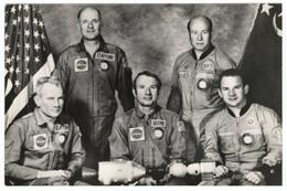 1976 Photo Five Men Make Up Crews Of Apollo-Soyuz Testing Project USSR RPPC - Espacio
