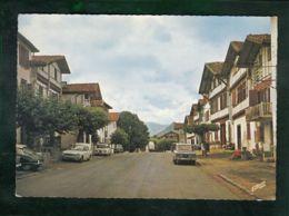 CP - 64 - Ainhoa - Voitures : Renault 8, CitroEn DS, Simca 1300, .... - Ainhoa