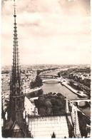 POSTAL   -PARIS  -FRANCIA  - VUE PANORAMIQUE PRISE DE NOTRE DAME (VISTA PANORÁMICA DESDE NOTRE DAME) - Plazas