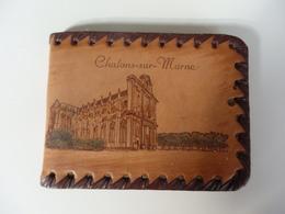 Petit Album Photo 10,5cm/8cm En Cuir Sur Chalons-sur-Marne (51). - Photographie