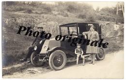 Carte Photo Auto Voiture Automobile Car - RENAULT Avec Homme Femme Et Enfant - Automobile