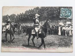 AK CP Amiens General Lanes Au Retour De La Revue 14 Juillet Stamp Somme - Uniformes