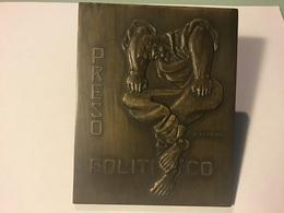 Médaille PORTUGAL: PRESO POLITICO - Obj. 'Souvenir De'
